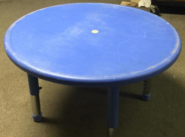 Where to find TABLE, CHILDREN  BLUE  33  RD. SEATS 4 in Kingsport
