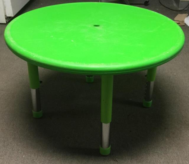 Where to find TABLE, CHILDREN  GREEN  33  RD  SEATS 4 in Kingsport