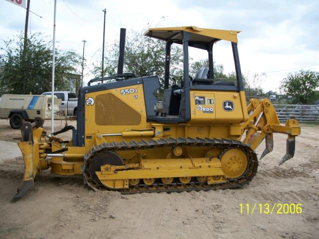 Where to find DOZER, 550 JOHN DEERE WITH RIPPERS in Kingsport